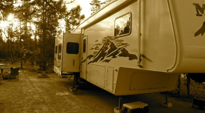 Are Fifth Wheel Campers For You?